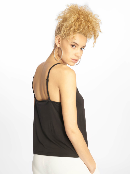 Urban Classics Top Laces Triangle black
