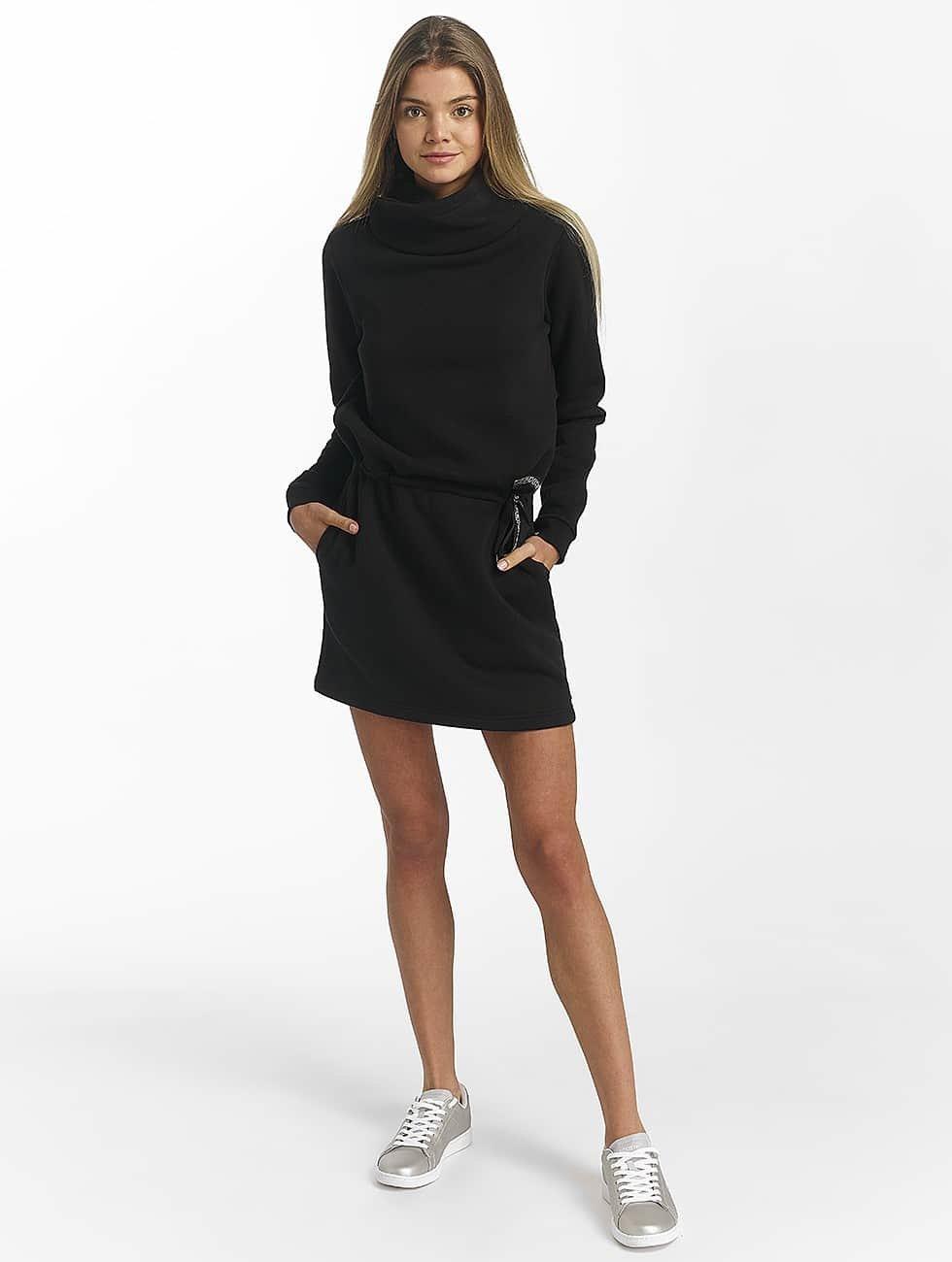 Bench Dress Funnel black