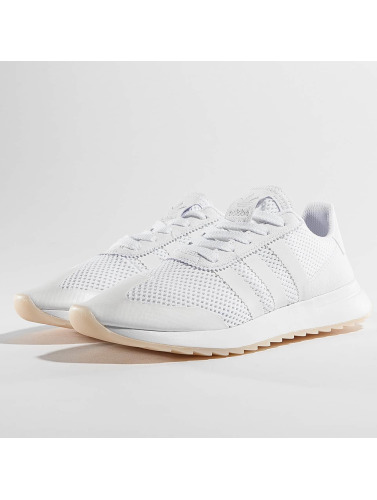 Adidas Originals Baskets Femmes En Flashback Blanc