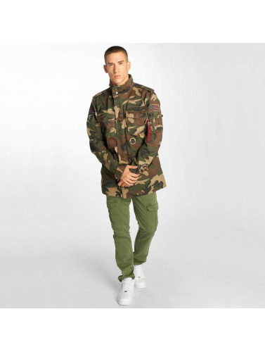 Hommes Veste Alpha Industries Dans Le Patch Camouflage Huntington Entretiempo limité Livraison gratuite Finishline commercialisables en ligne yGQh4p