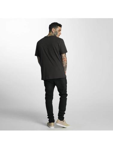 Hombres Amplifiés Bord D'un Métal De Tueur De T-shirt En Gris réductions de sortie xJwqPQ1EUT