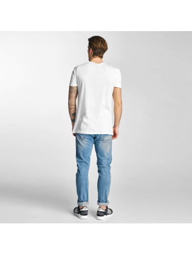 Coup De Pied Français Hombres Camiseta Chucky En Blanco eastbay en ligne nouveau style fJIJial