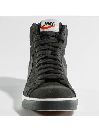 Femmes Nike Chaussures Blazer Cru À La Mi-daim Gris qualité supérieure vente xOKTJ