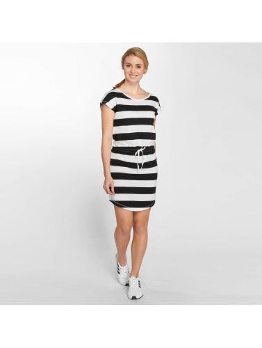 Les Femmes Onlmay Vêtus Uniquement En Blanc bon marché Livraison gratuite Nice 100% original vahc3N