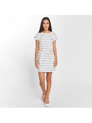 Les Femmes Chicha Vêtus De Blanc Ringel braderie chaud s8DmzP