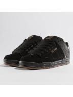 Globe Sneakers Tilt black