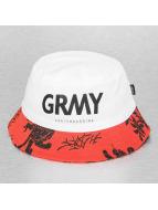 Grimey Wear hoed rood