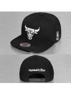 Mitchell & Ness Black & White Chicago Bulls Snapback Cap Black/White