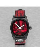 NEFF horloge rood
