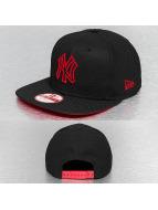 New Era Snapback Cap Pop Outline 2 NY Yankees black