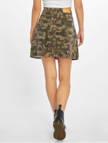 Noisy May nmSunny Camo Skirt Kalamata/Camo image number 1