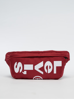 Levi's® Banana Sling Bag Brilliant Red
