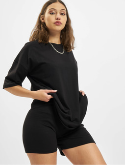 Missguided Petite Coord Tshirt & Cycling Shorts Black