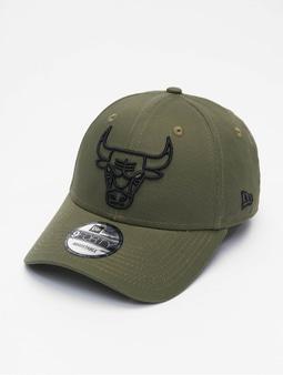 New Era NBA Chicago Bulls Eshortsleeve Outline 9forty Snapback Cap New Olive