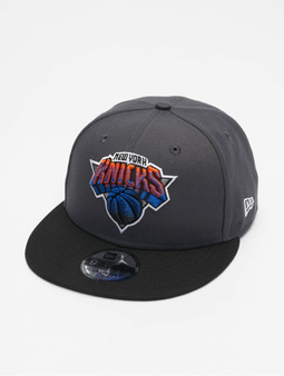 New Era NBA20 New York Knicks City Alt EM 9Fifty Flexfitted Cap Official Team Color/Dark Grey