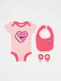 Nike Have A Nike Day Heart Bib/Bodysuit/Bootie 3 Pieces Pink