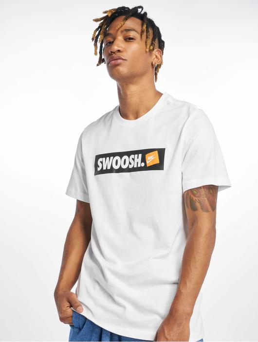 Nike Swoosh Bmpr Stkr T-Shirt White/White image number 0