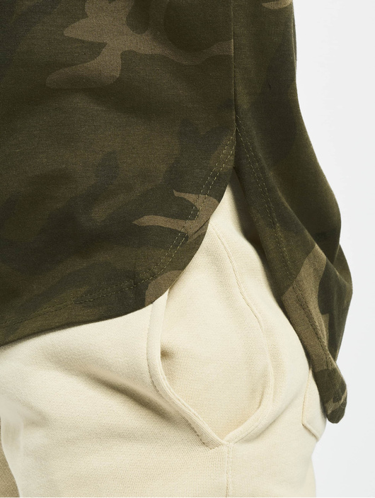 Urban Classics Camo Back Shaped T-Shirt Olive Camo image number 3