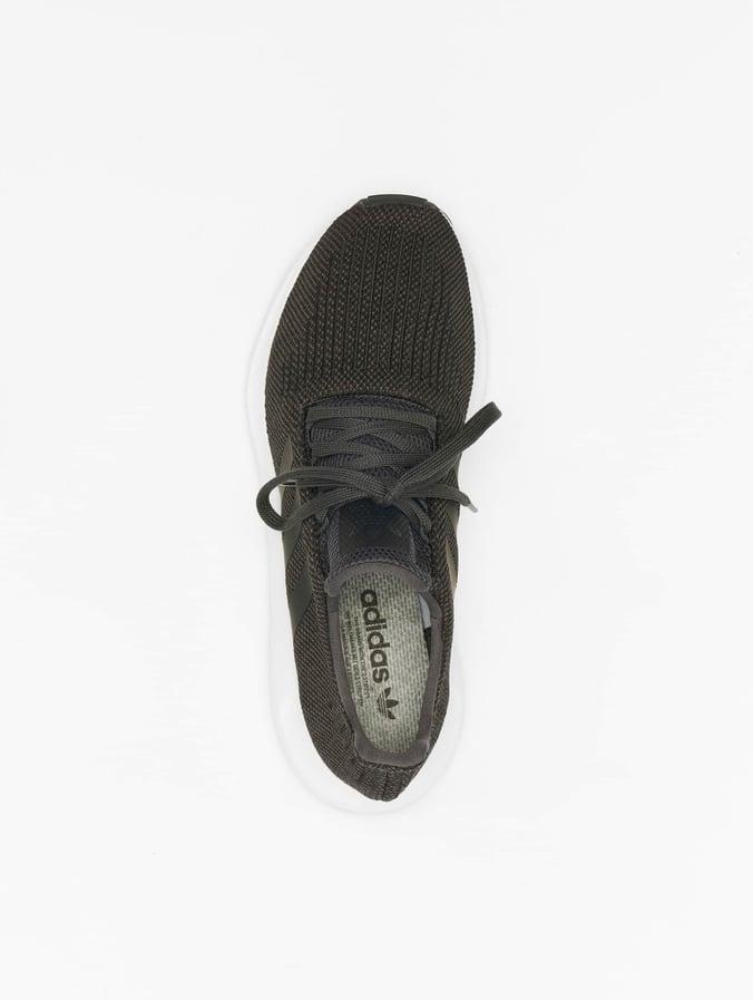 35feebb28bfa0 Adidas Swift Run Sneakers Carbon