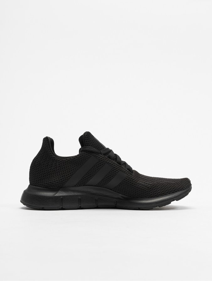 adidas Schuhe – Swift Run C koralleweißweiß