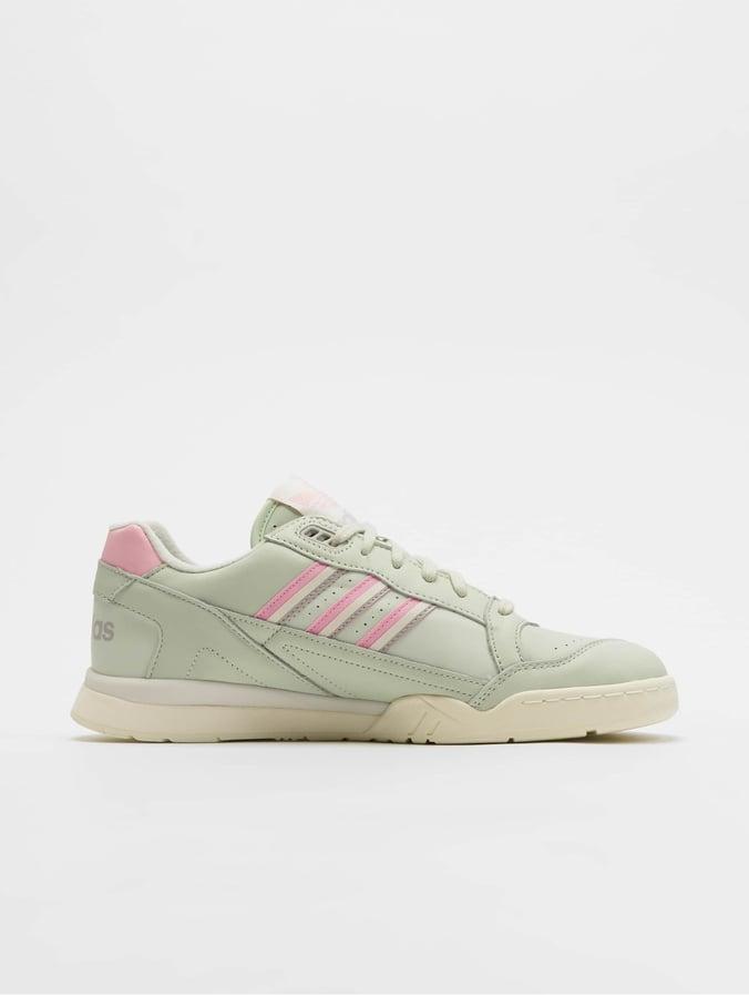 adidas Originals A.R. Trainer Sneakers Linen GreenTrue PinkOff White
