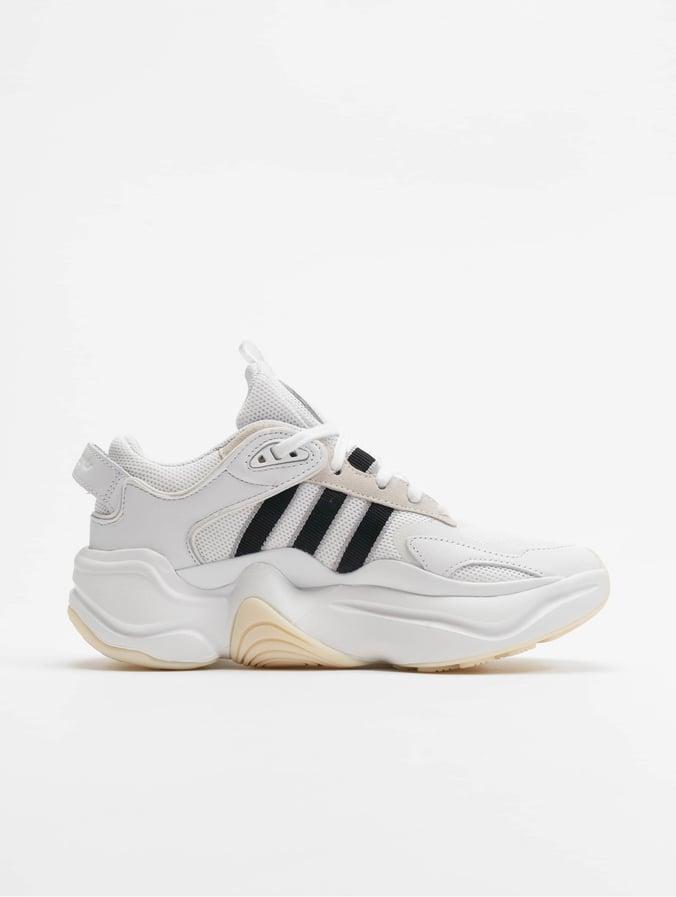 Adidas Originals Magmur Runner Sneakers WhiteCore BlackGrey