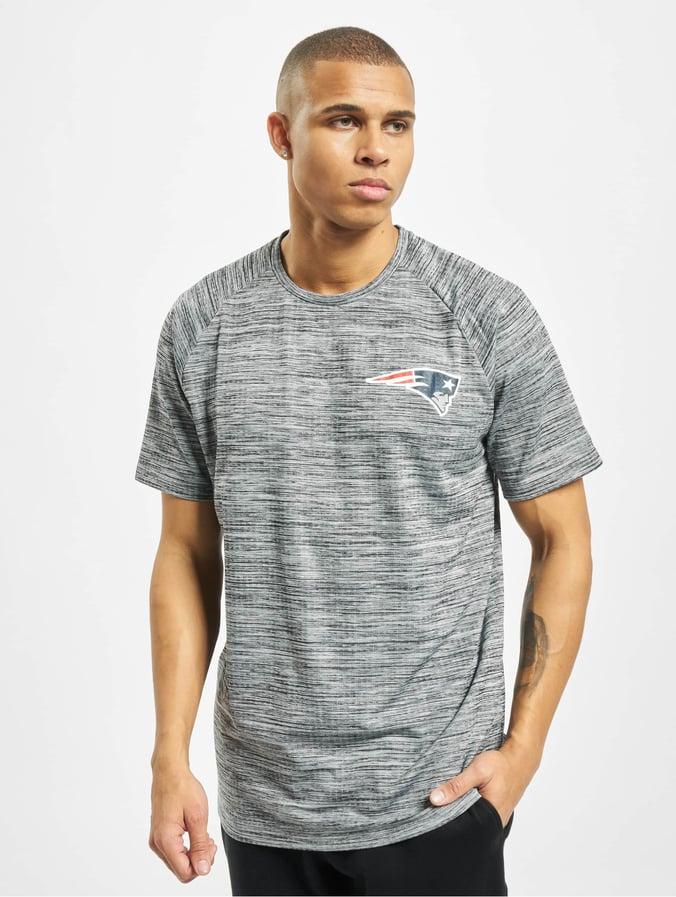 New Era NFL New England Patriots Engineered Raglan T Shirt Grey