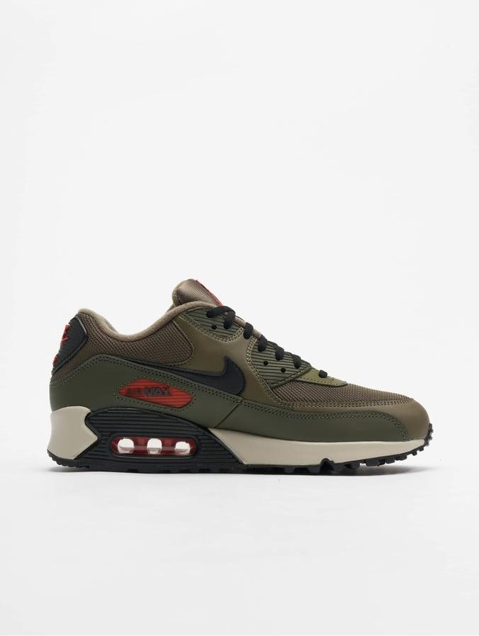 https://cdn.def-shop.com/cdn-cgi/image/w=676,q=85,f=auto/pic1300x1725/nike-sneakers-oliv-661654__2.jpg
