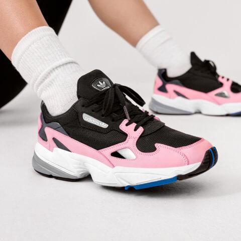 bestel adidas falcon sneakers online bij DefShop