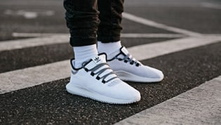Must-Have: White Sneakers