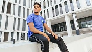 Sportswear in den Trendfarben