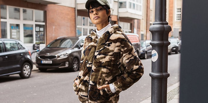 camouflage outfits frauen