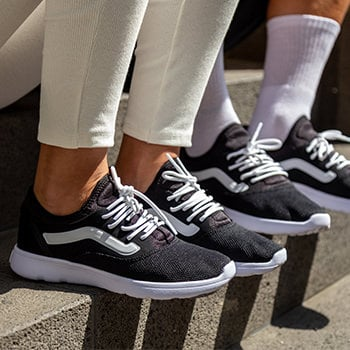 vans route staple sneaker unisex