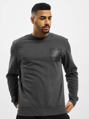 urban-classics-manner-pullover-contrast-pocket-in-grau