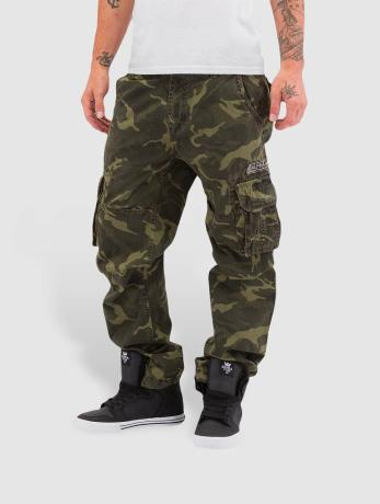 alpha-industries-manner-cargohose-jet-in-camouflage