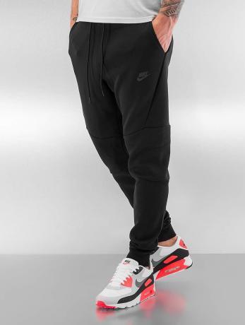 jogginghosen-nike-schwarz