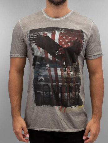 t-shirts-amplified-grau