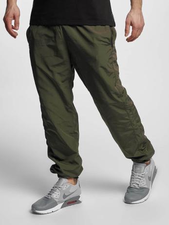 urban-classics-manner-jogginghose-nylon-training-in-olive
