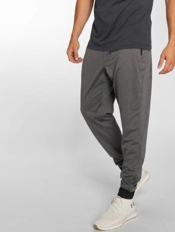 under-armour-manner-jogger-pants-sportstyle-in-grau