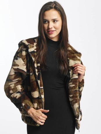 urban-classics-frauen-ubergangsjacke-camo-teddy-in-camouflage