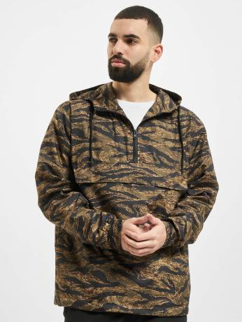 urban-classics-manner-ubergangsjacke-tiger-camo-in-camouflage