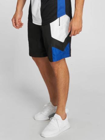 unkut-manner-shorts-sharp-in-schwarz