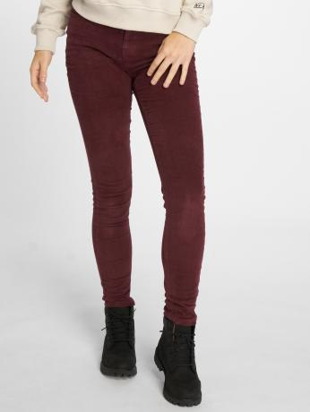 noisy-may-frauen-skinny-jeans-nmlucy-skinny-corduroy-in-rot
