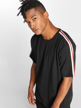 def-manner-t-shirt-pindos-in-schwarz