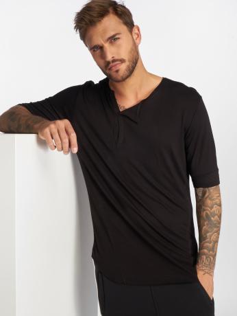 vsct-clubwear-manner-t-shirt-1-2-cut-collar-in-schwarz