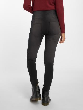 freddy-frauen-high-waist-jeans-high-in-schwarz