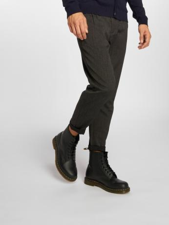 only-sons-manner-chino-onsleo-cropped-in-schwarz