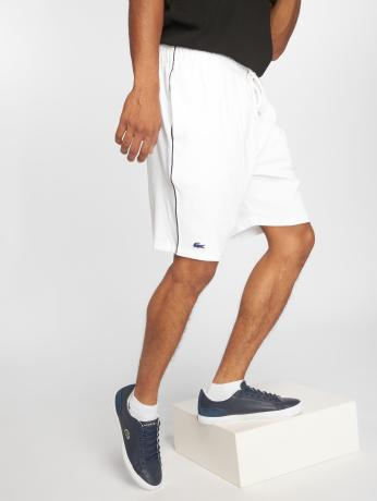 lacoste-manner-shorts-shower-in-wei-