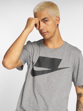 nike-manner-t-shirt-sportswear-in-grau