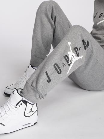 jordan-manner-jogginghose-sportswear-jumpman-air-graphic-fleece-in-grau-inflammable-com
